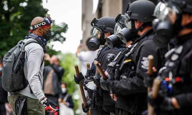 Seattle police, police tactics...